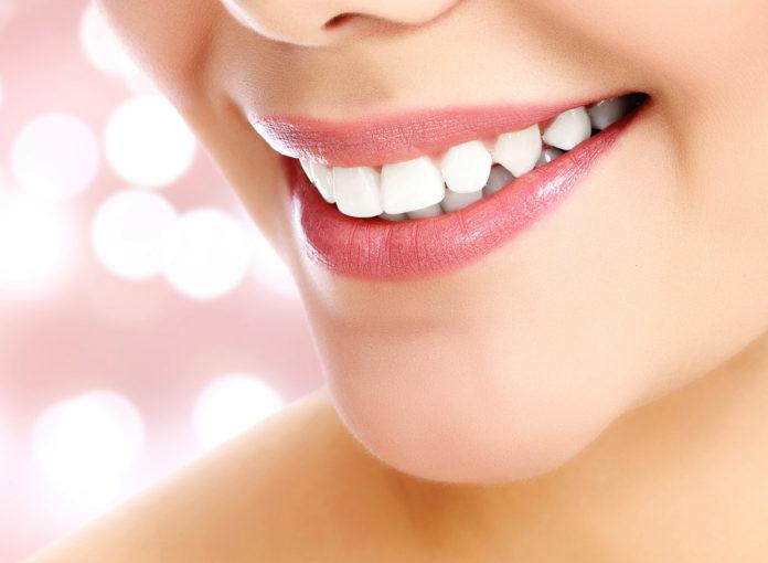 In der Schwangerschaft können die Zähne kälteempfindlich sein