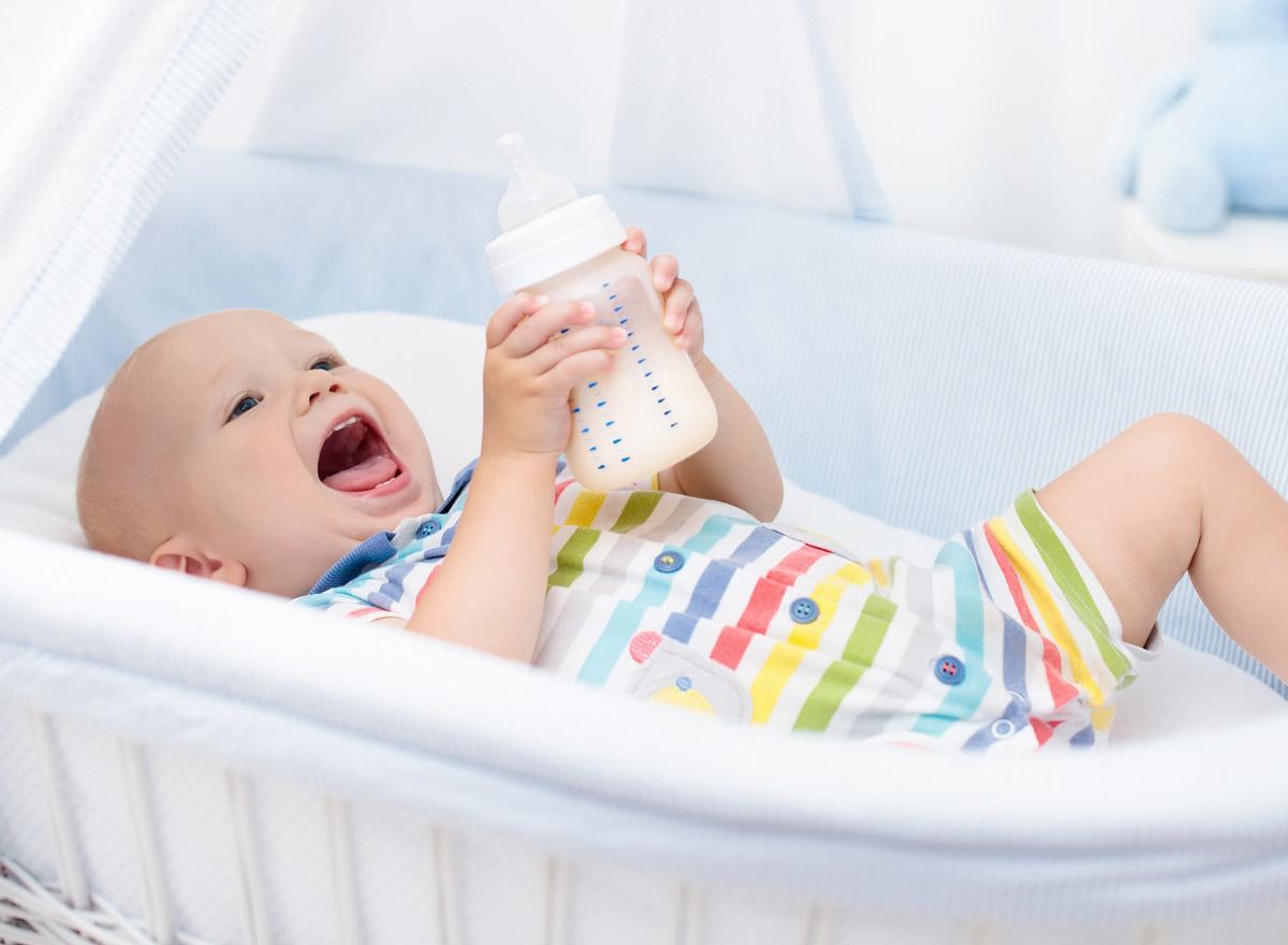 Schlafplatz für das baby beistellbett gitterbett oder