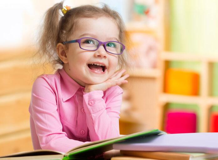 Sehschwäche Kleinkind Symptome und Anzeichen