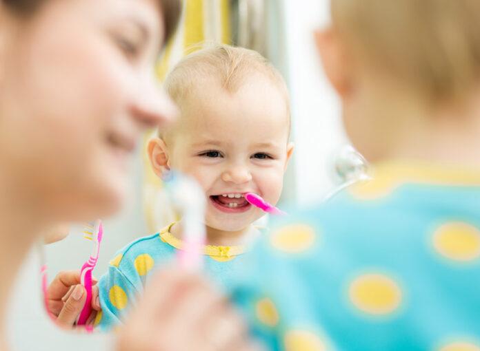 Baby-Zähne-putzen