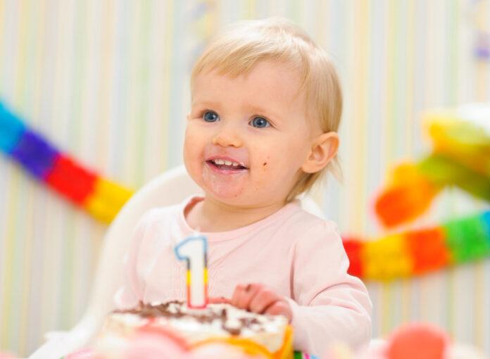 Der erste Gerburtstag vom baby ist ein besonderes Event